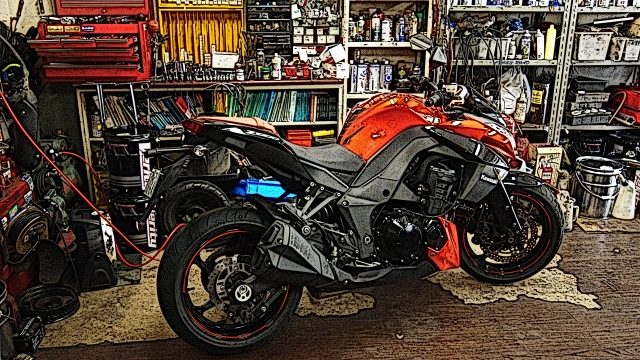 ガレージに置かれたバイク