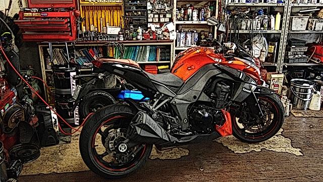 車検切れバイクの取り扱い|罰則・車検の通し方・名義変更